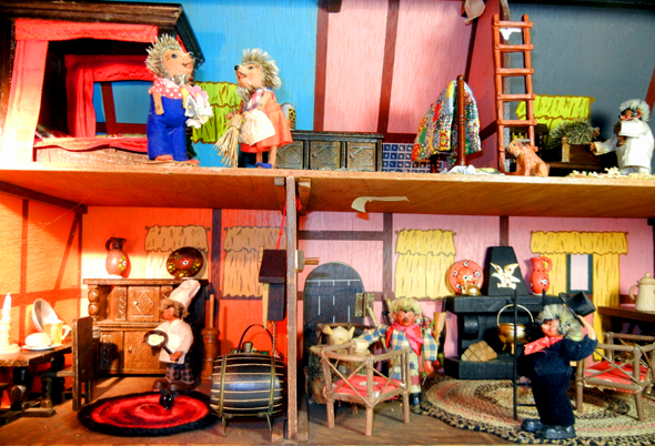 Meckis Doll House