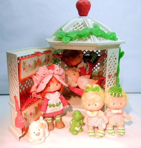 Strawberry Shortcake Gazebo