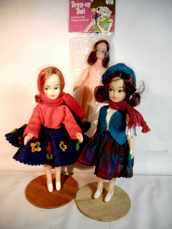 Dress-up Dolls